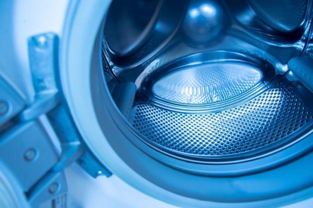 wie ihr schnell und einfach die gummiabdichtung eurer waschmaschine reinigen k nnt. Black Bedroom Furniture Sets. Home Design Ideas