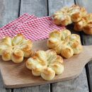 Butterweiche Brioches in Blumenform