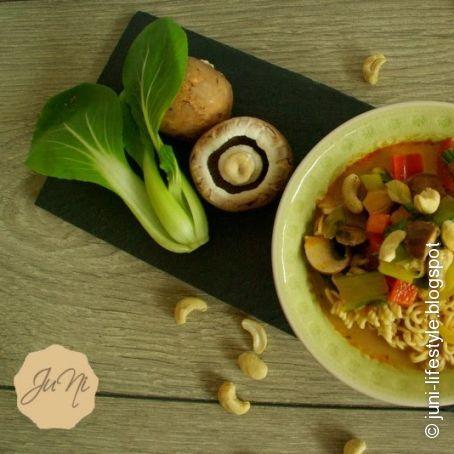 thai suppe mit kokosmilch 3 2 5. Black Bedroom Furniture Sets. Home Design Ideas
