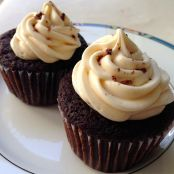 Guinness Cupcakes mit Bailey's Cream Frosting