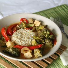 Rotes Thai Curry mit Tofu
