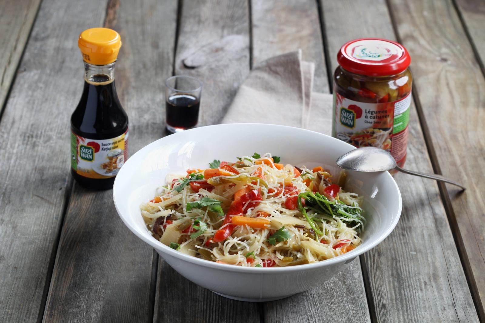 Asiatische Küche: One Pot-Chop Suey mit Reisnudeln
