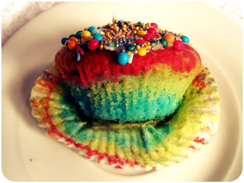 Bunter Kuchen Ohne Lebensmittelfarbe Appetitlich Foto